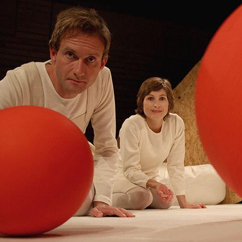 Barnteater: Max - pjäsen om Bollen, Bilen och Lampan
