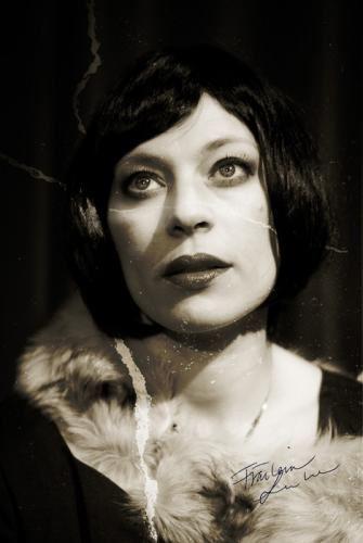 Fräulein Lou Lou, hyllningen tillDivan