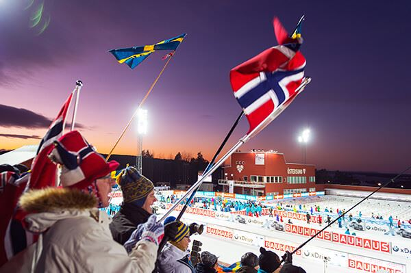 Foto:,  © Copy: , The Audience are looking over the biathlon stadium