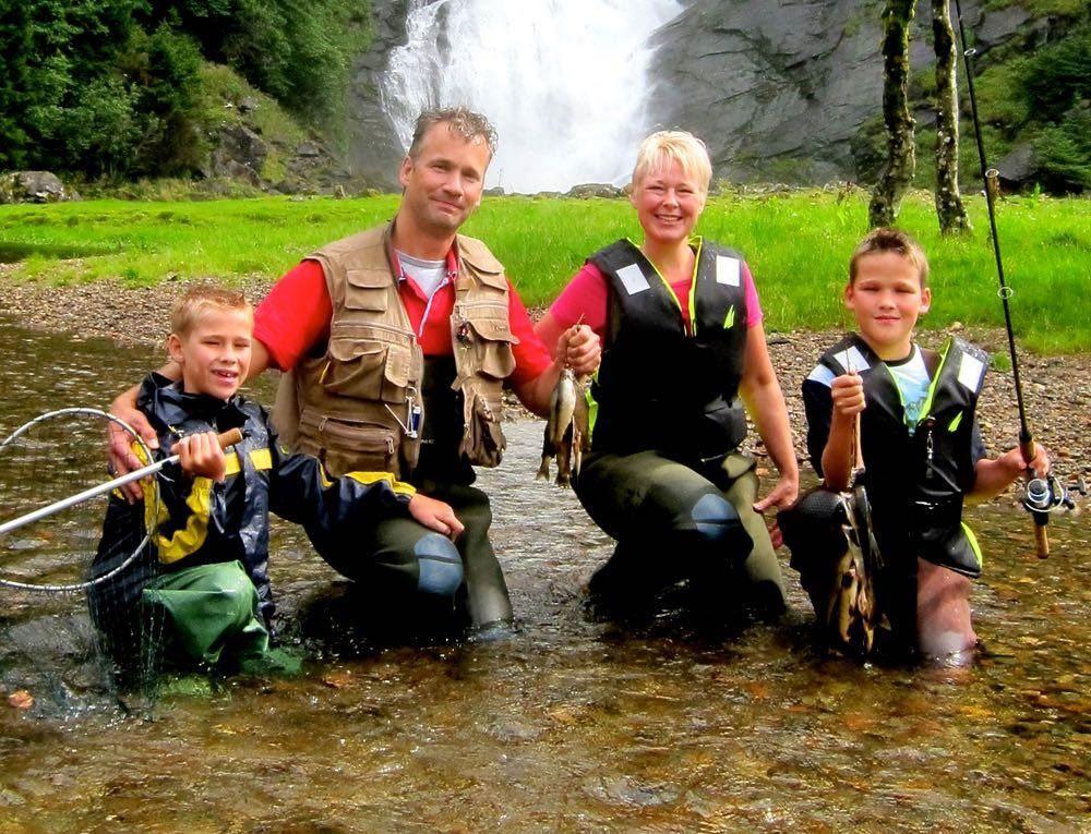 Legg en fiskeopplevelse i Jølster under juletreet i år!
