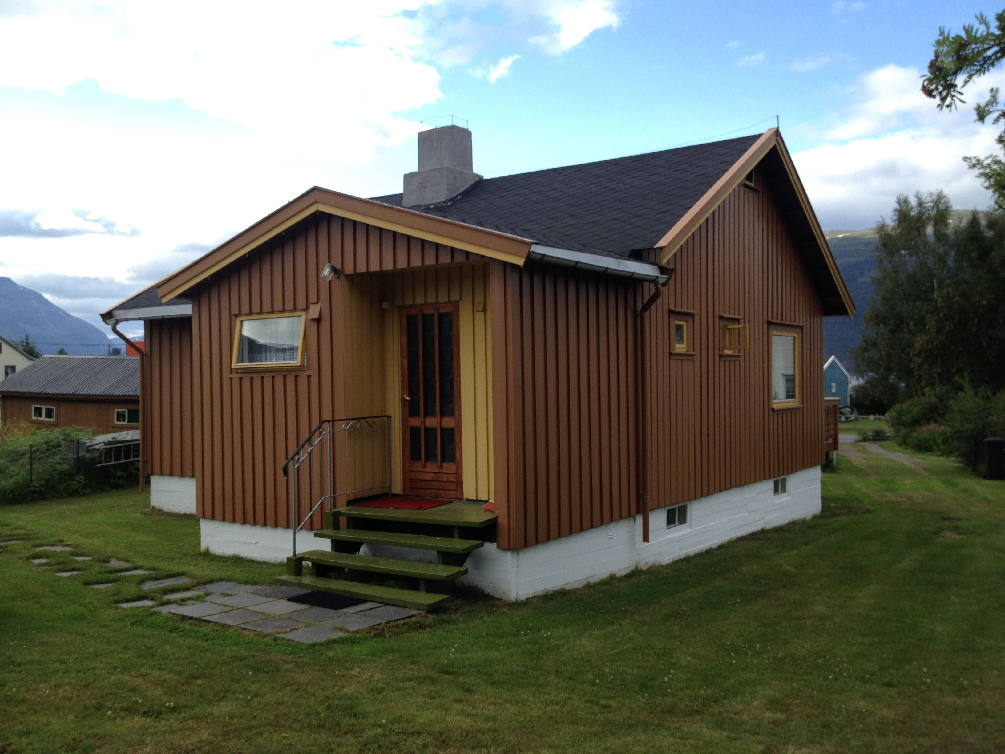Lyngen House