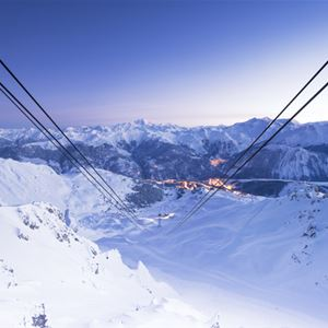 5 rooms, 10 people ski-in ski-out / Le Bois Joli (Mountain of dream)