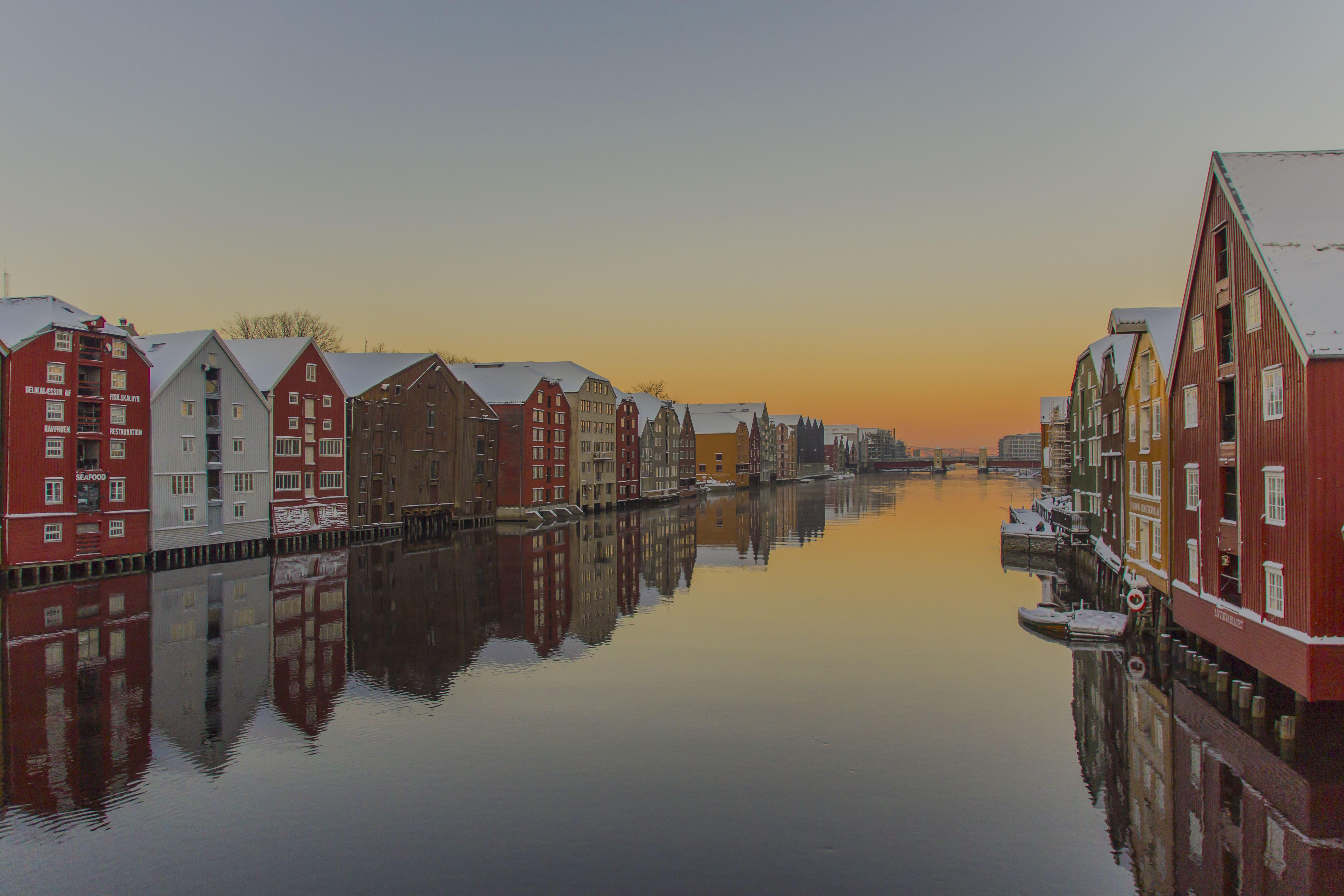 Trondheim along the waterfront by bike