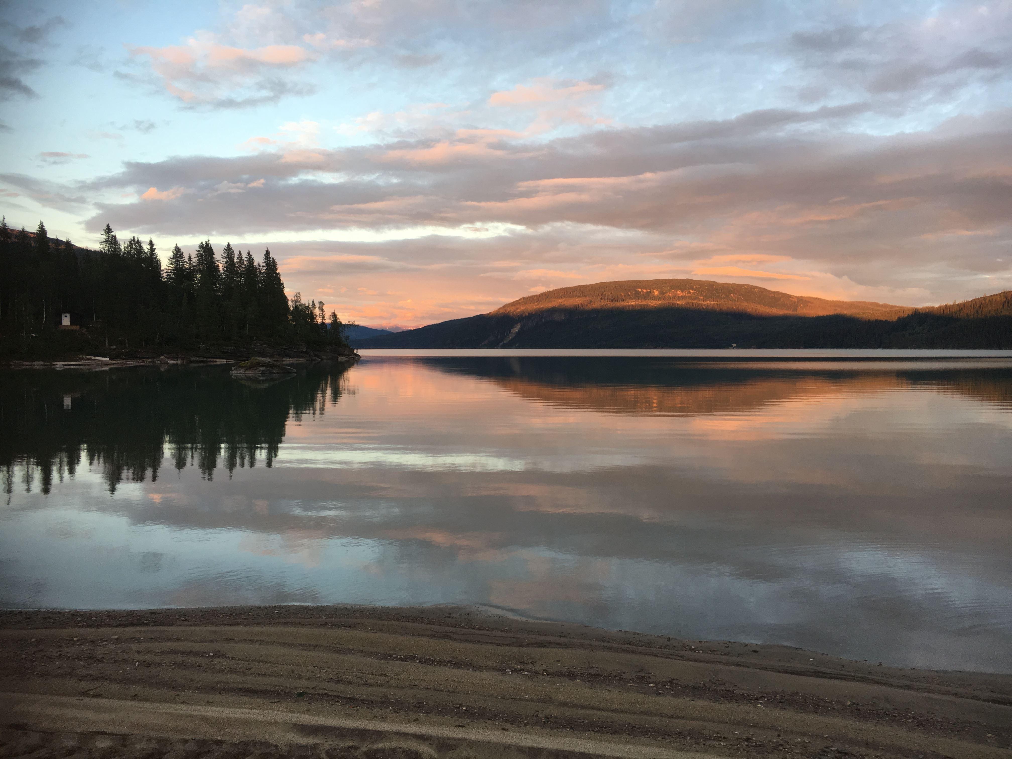 Padling og fottur gjennom Glomåga landskapsvernområde og det mektige Marmorslottet