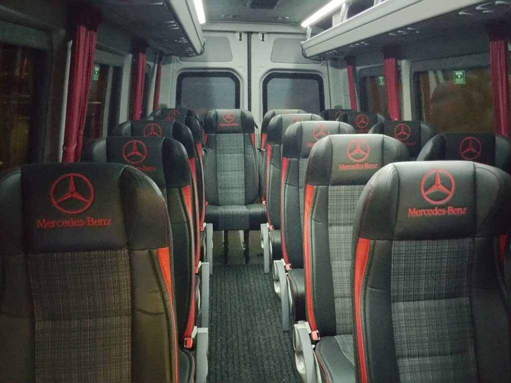 © Arctic Buss Lofoten, MB sprinter innvendig