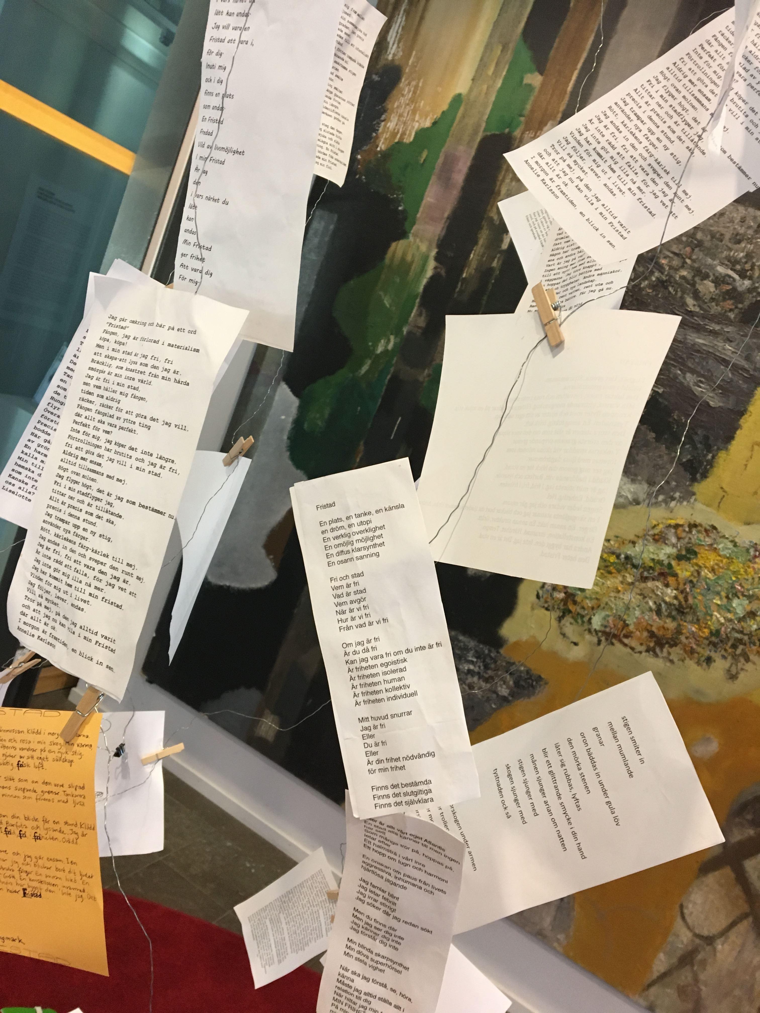 Fristadsmobilen: en vandrande och interaktiv konstinstallation med poesi