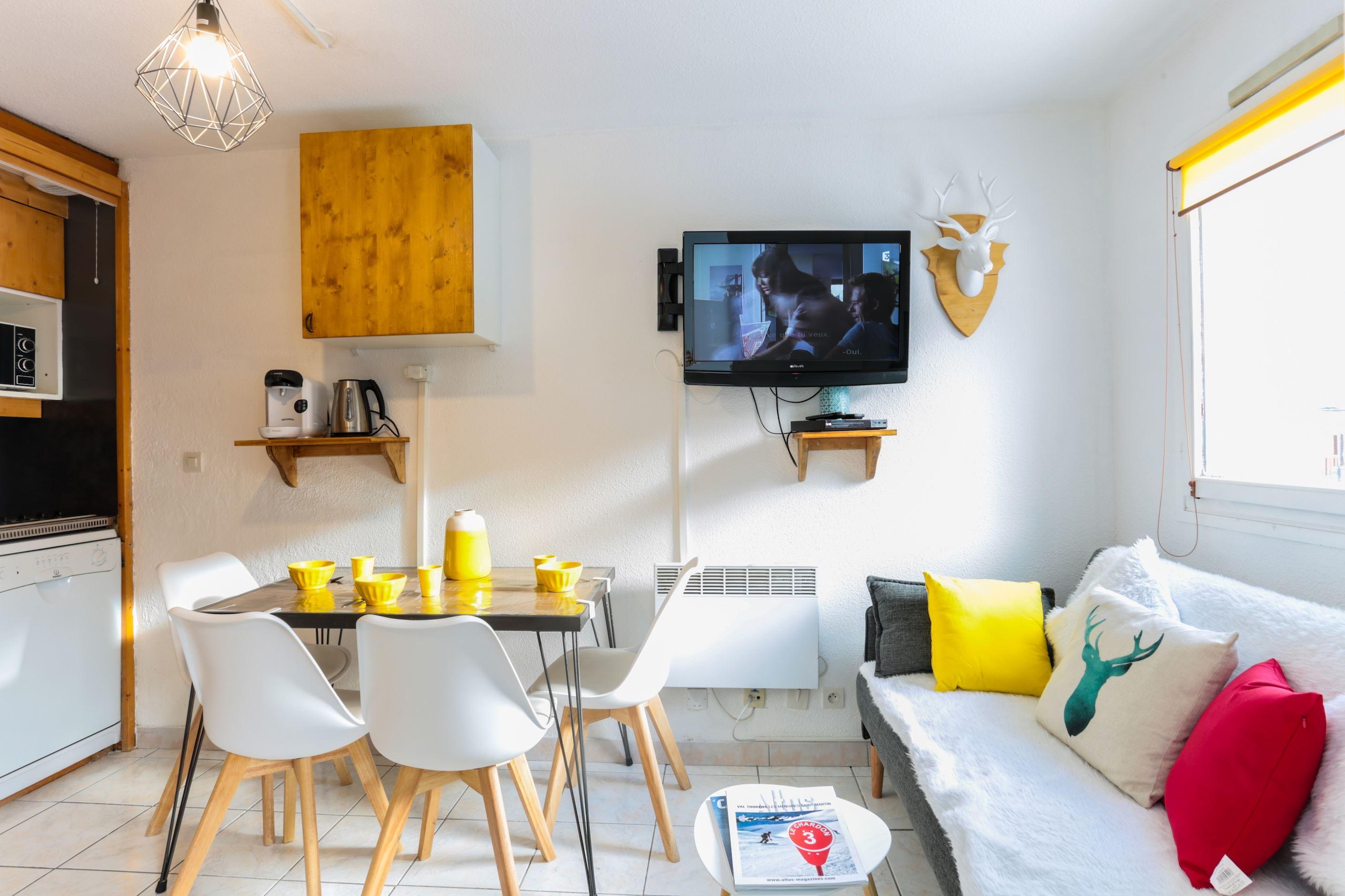 Lauzières 004 > 2 Rooms + Cabin - 4 Persons - 2 Silver Snowflakes (Ma Clé IMMO)