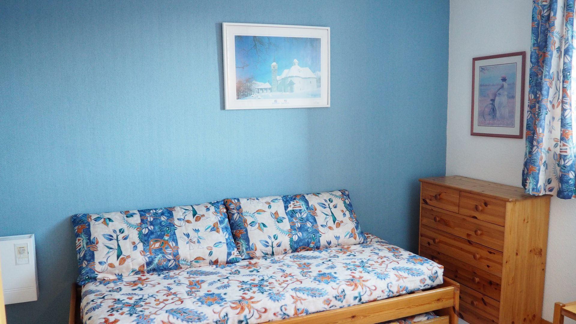 2 Rooms cabin 5 Pers ski-in ski-out / VILLARET 506