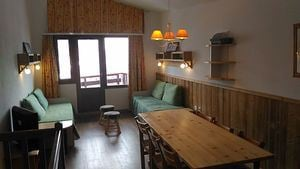 3 rooms + cabin, 9 people ski-in ski-out / Grand bois A1112