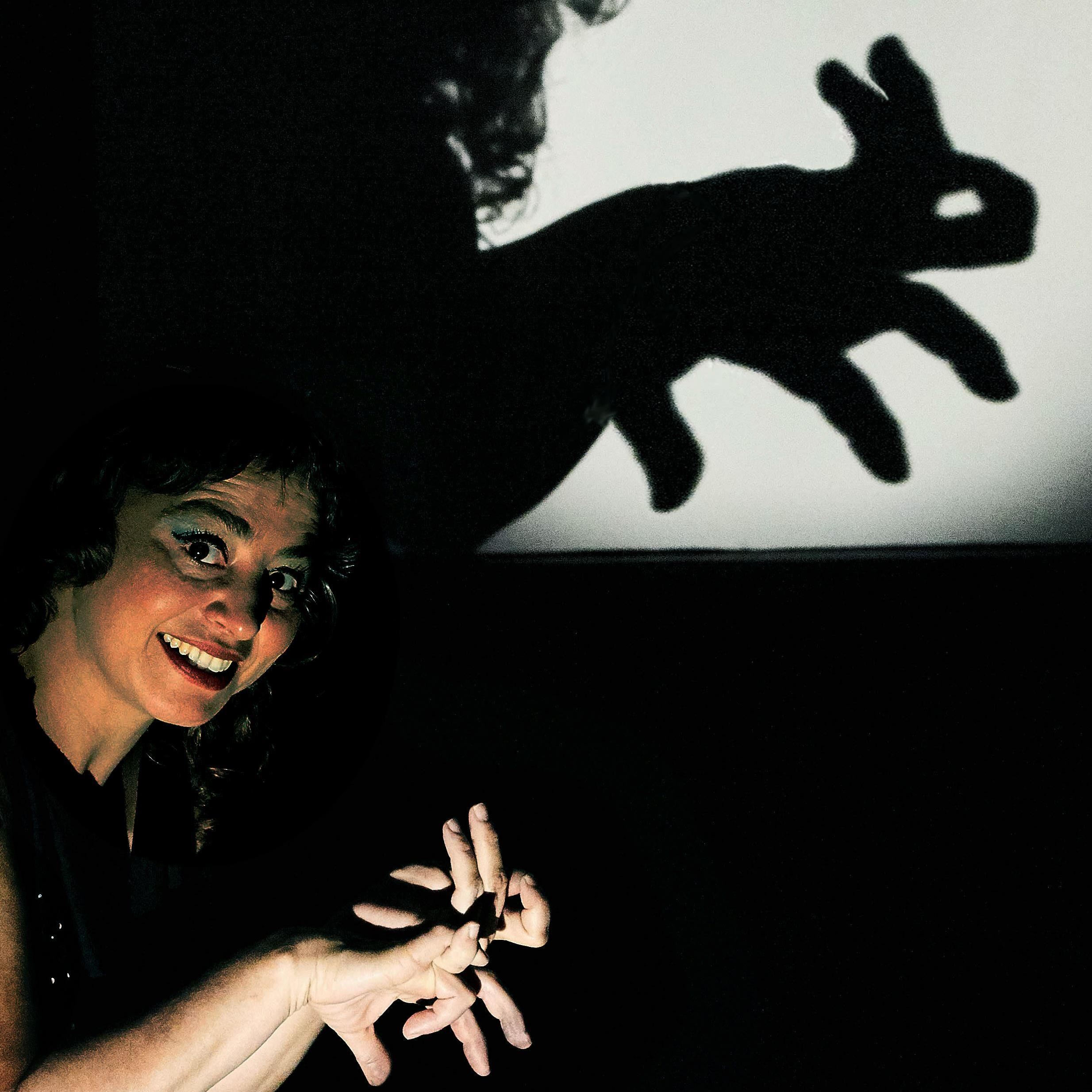 © Valeria Guglietti, Skuggteater från Barcelona