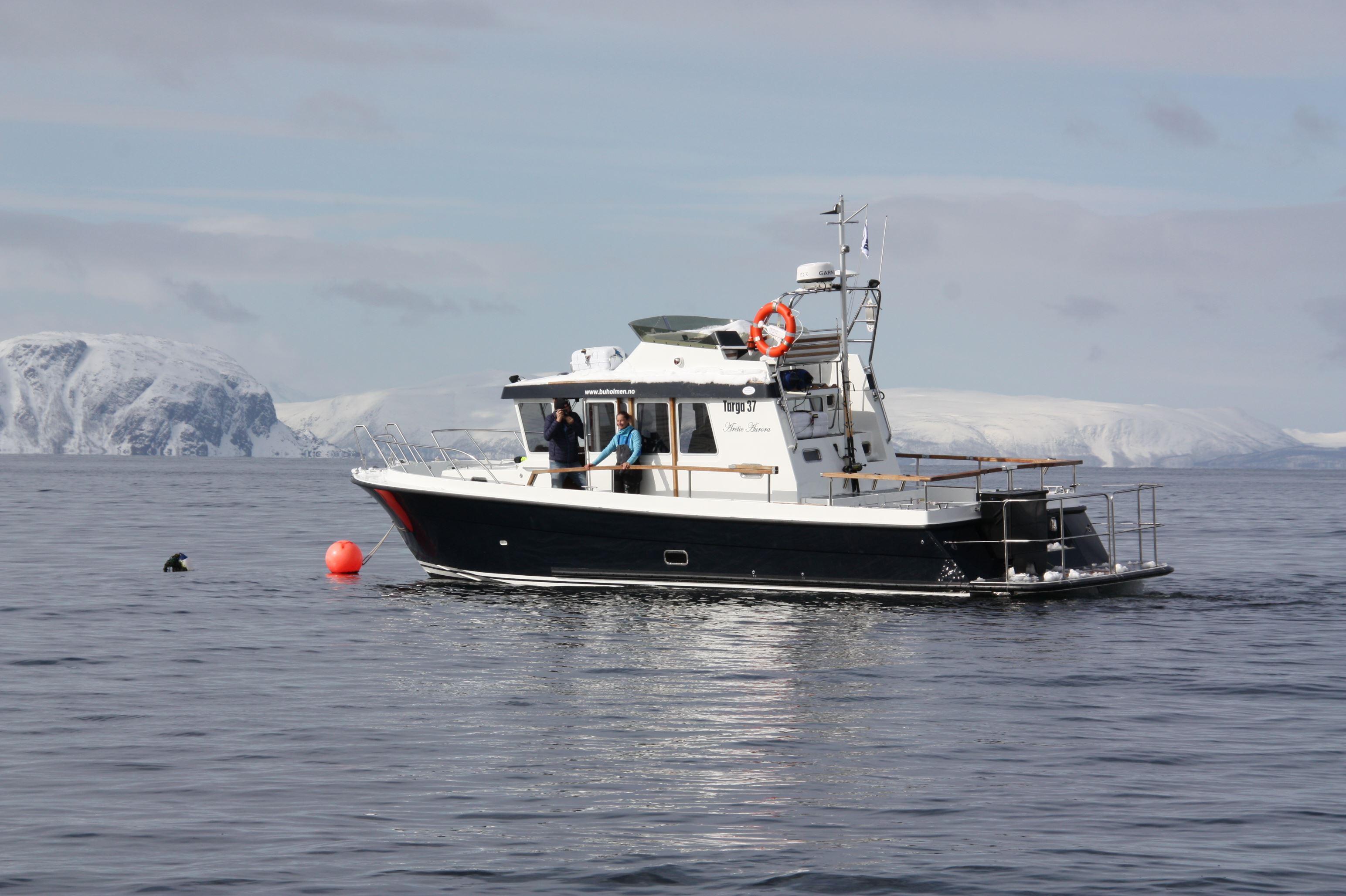 Boat transfer Summit to sea - Lyngen Experience