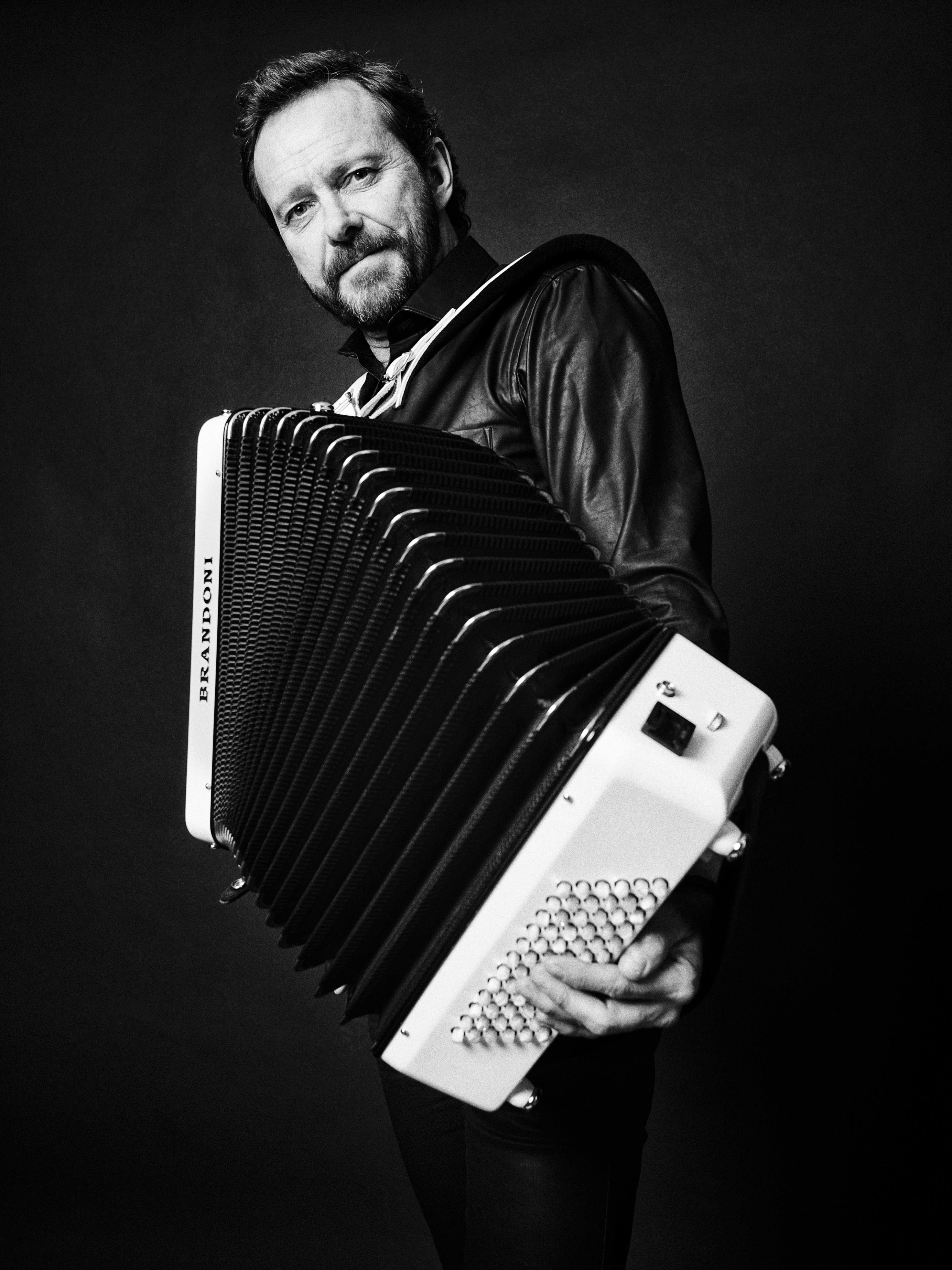 © Hasse Lindén, Musiksoppa med Bengan Janson - Mästare med närkontakt