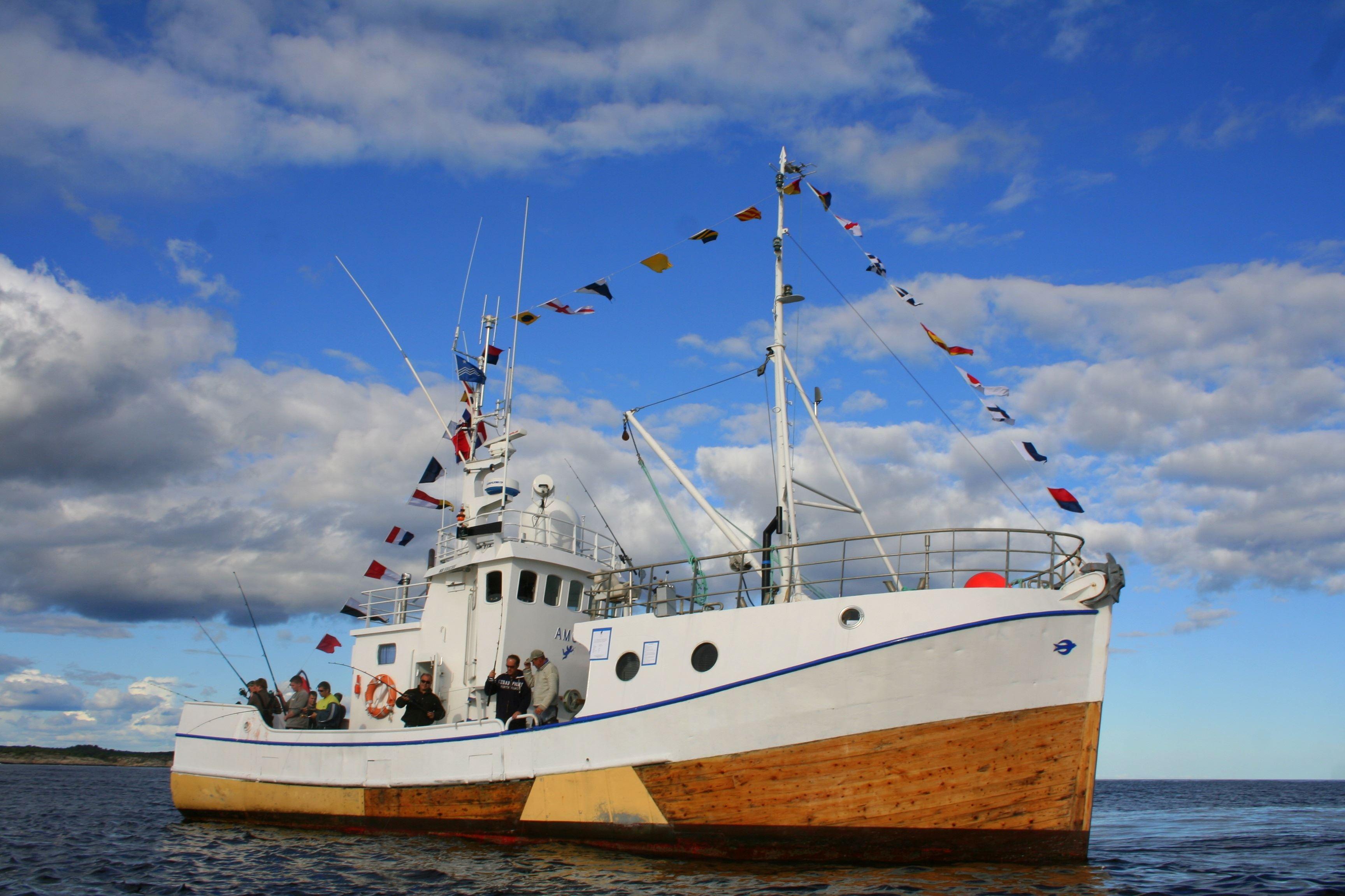 Fisketur fra Svolvær med MS AMOR