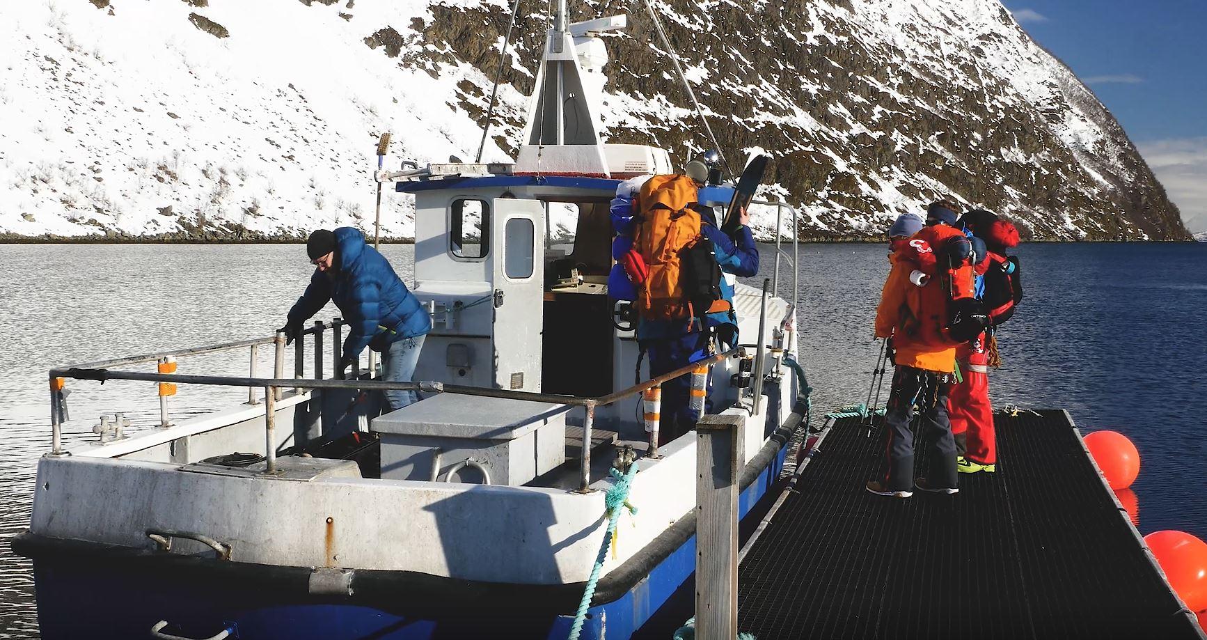 Boattransport to Strupen for skiing - Koppangen Brygger