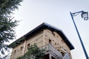 8 rooms, 15 people, ski-in ski-out / Chalet Orchis (Mountain)