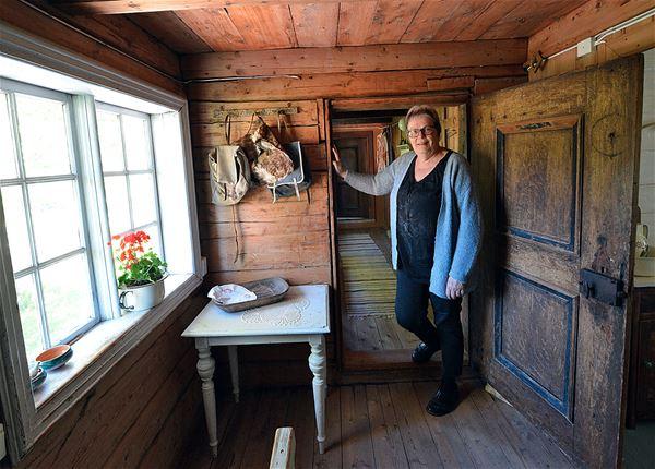 Bård Bårdløkken,  © Bård Bårdløkken, Tømmerhuset fra 1800-tallet