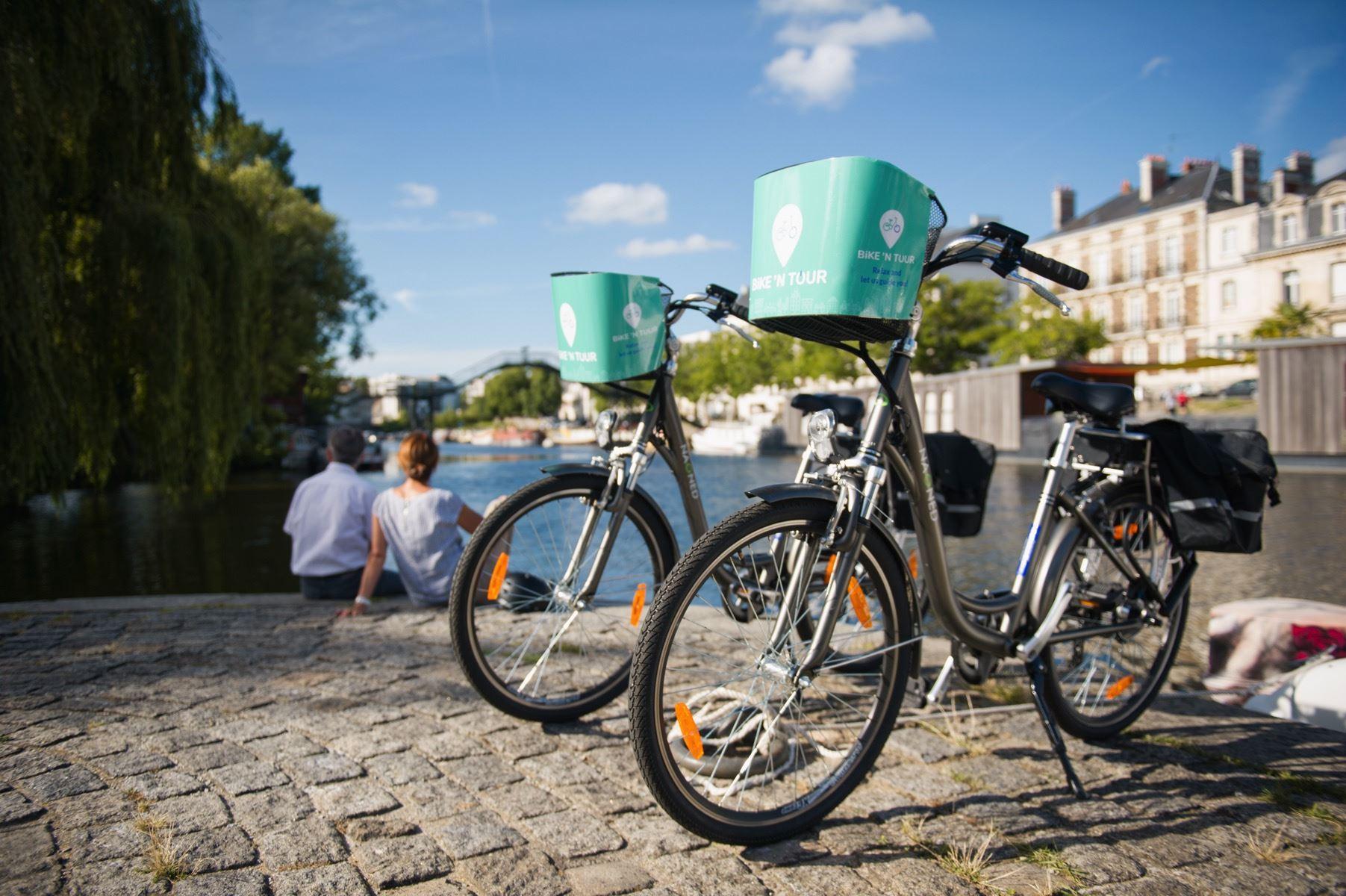 Bike'N Tour - Tour Surpre-Nantes (avec dégustation de vins locaux)