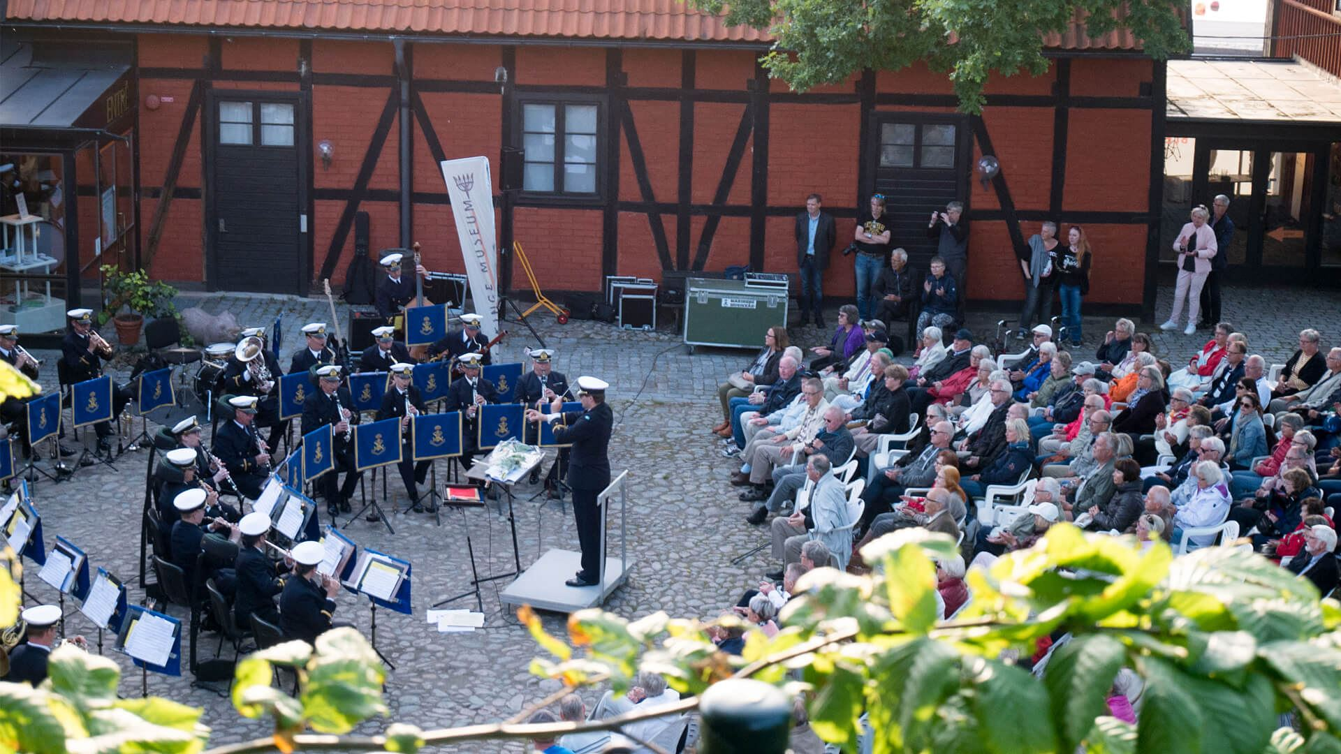 Grevagårdskonsert med Marinens Musikkår