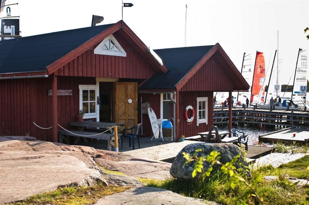 Boat excursion to Rödhamn