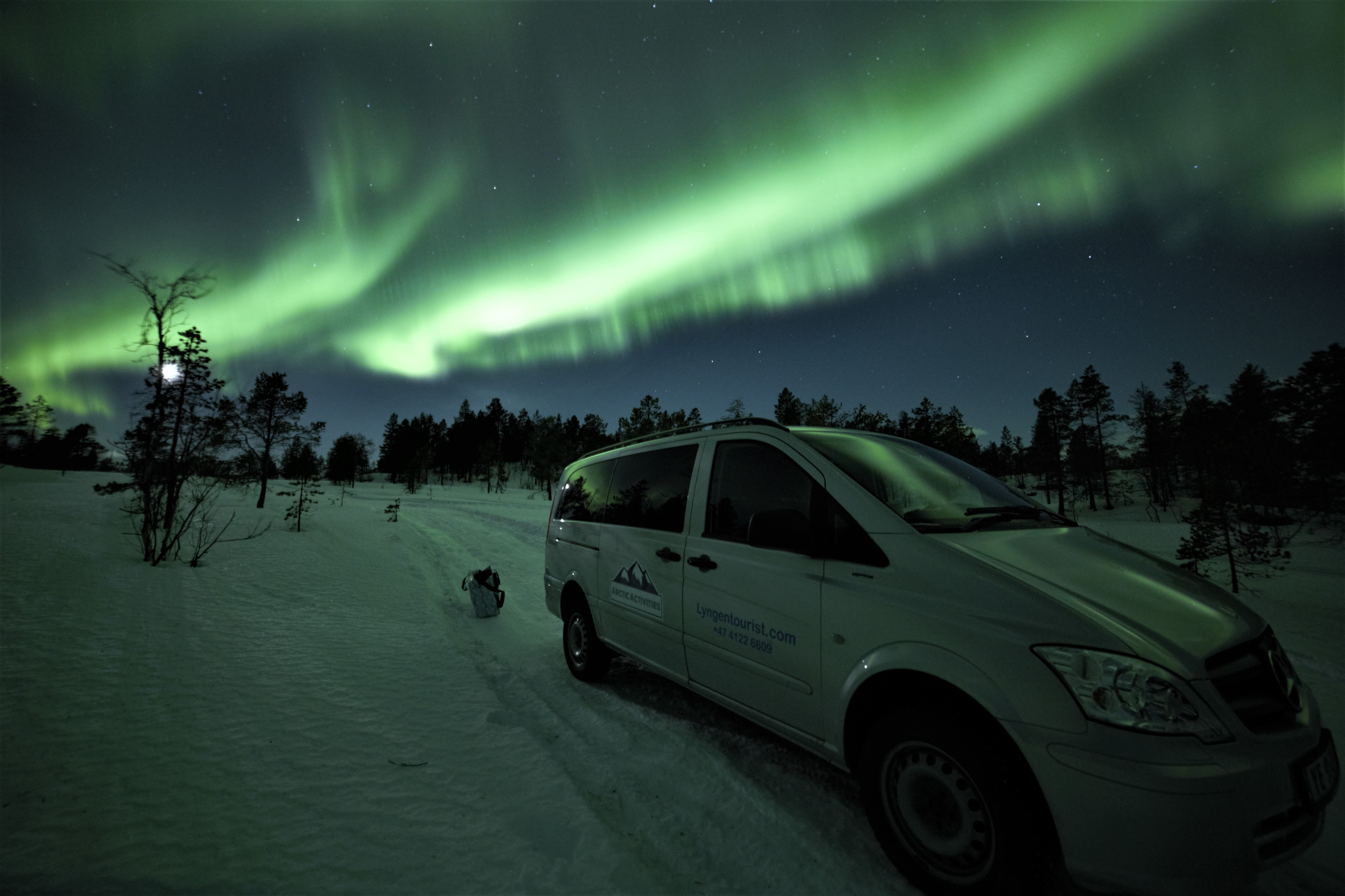 Northern lights chase to modern Aurora Basecamp facilities - LyngenTourist