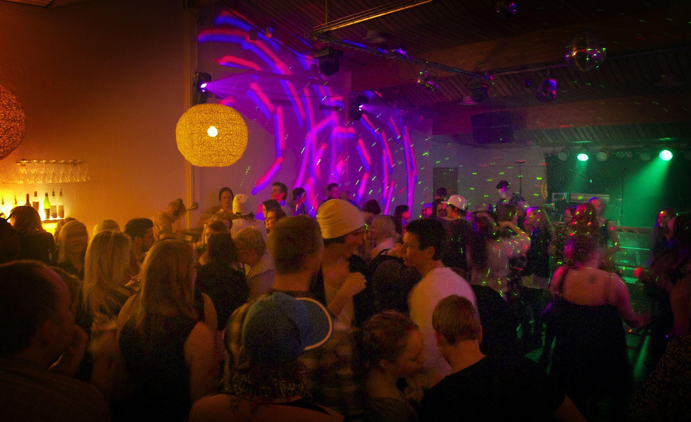 Nattklubb med  Dj:s på Eriks Kök & Bar