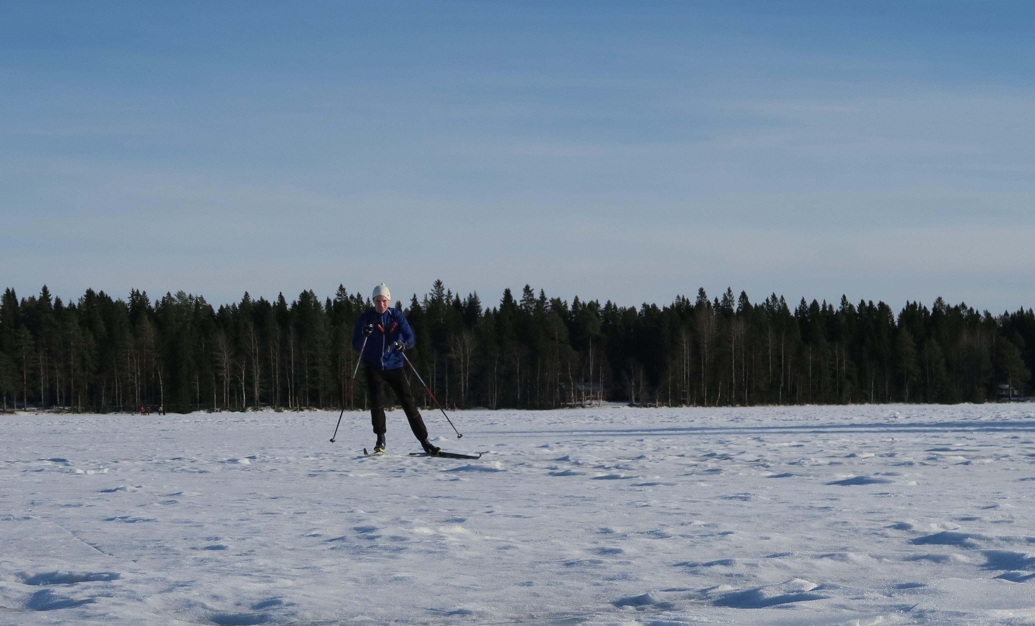 Skiing along Umeå river
