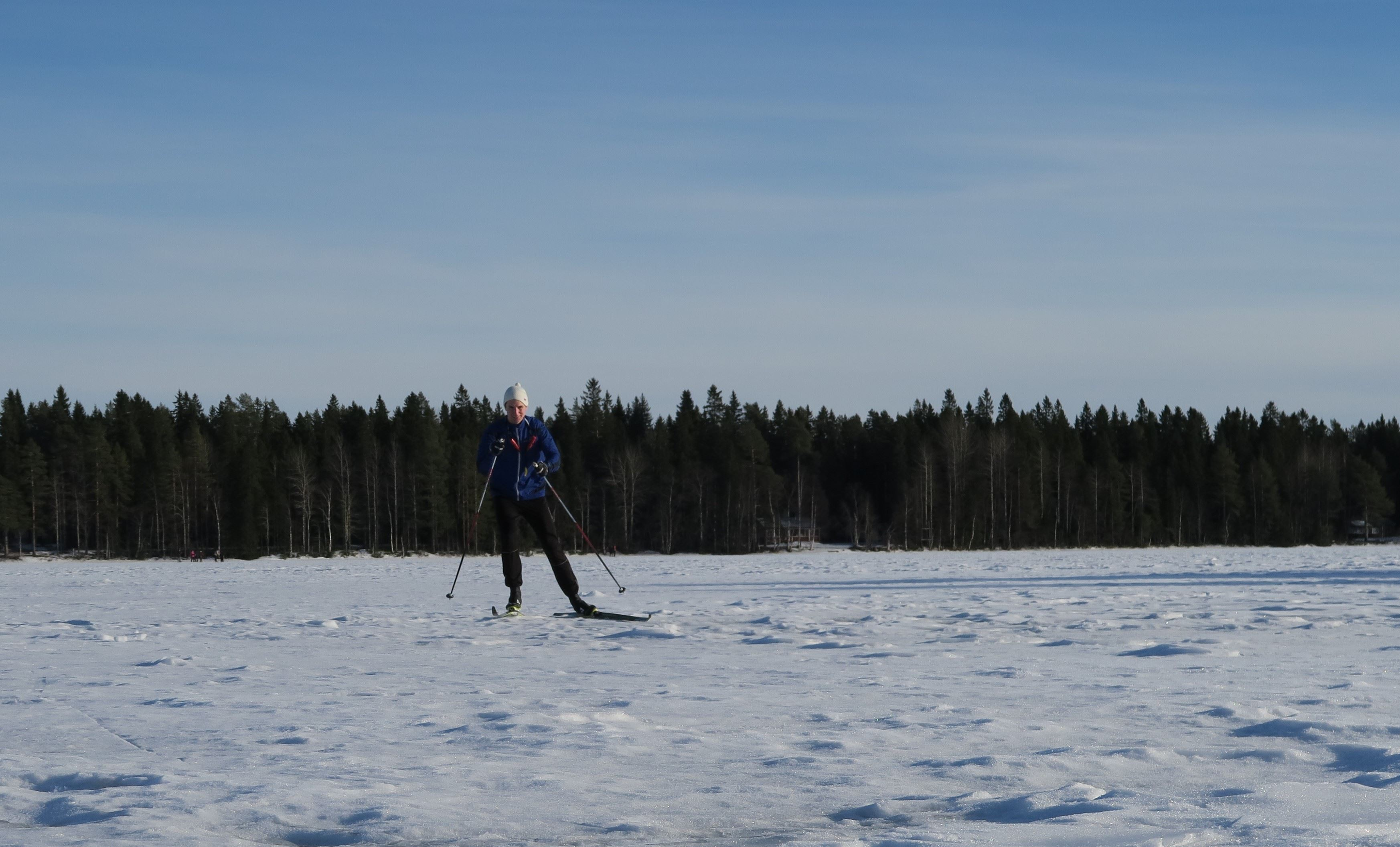 Skiing along Umeå river