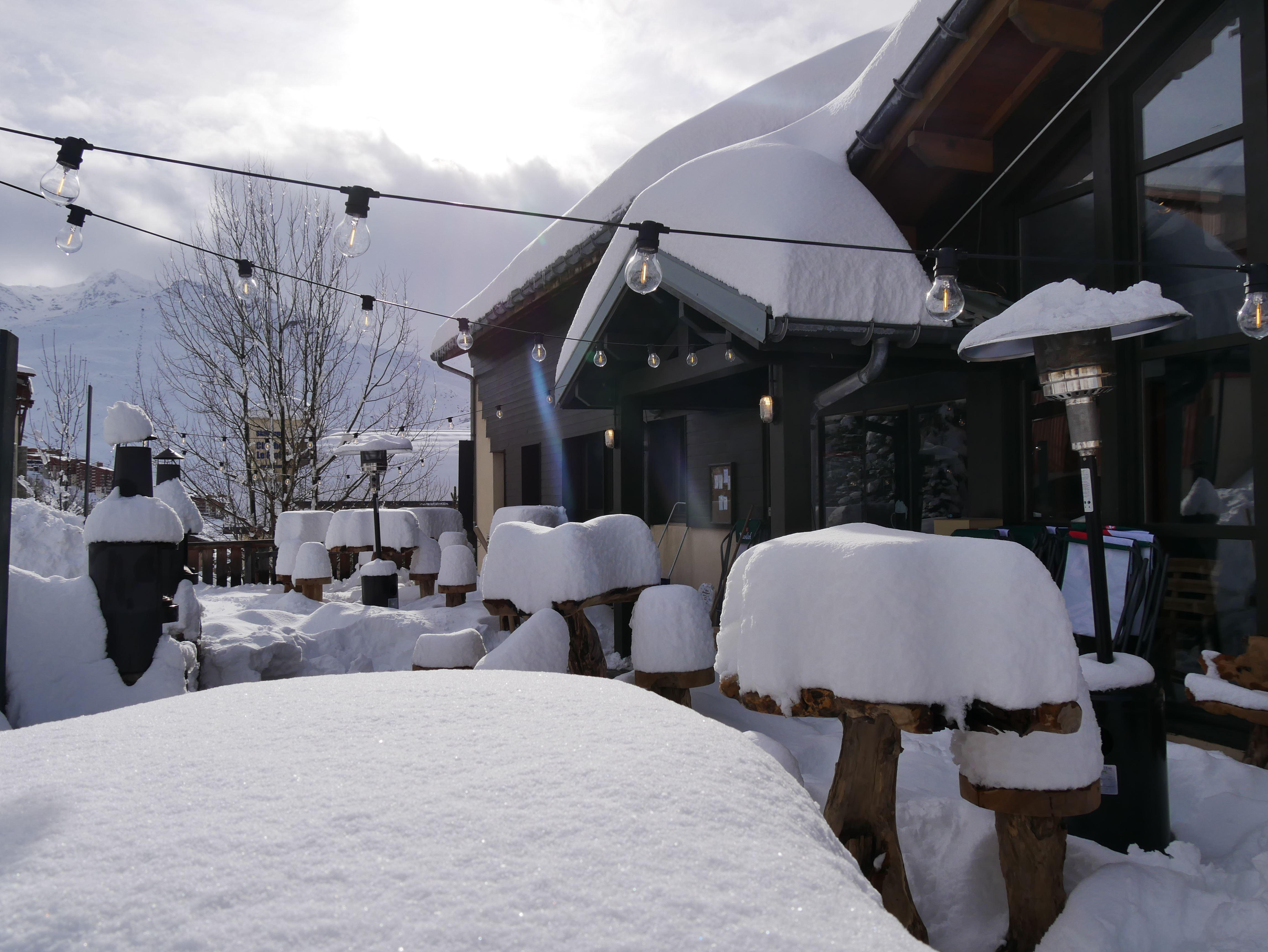 Ski-in ski-out hotel / HO36 LES MENUIRES