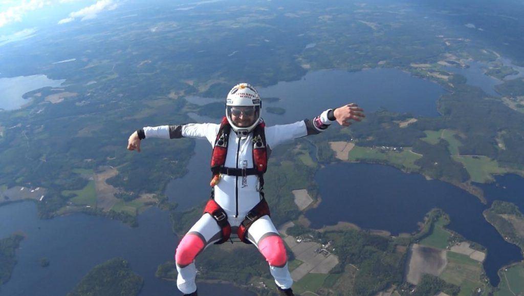 Sky diving lessons | Hämeen Laskuvarjourheilijat