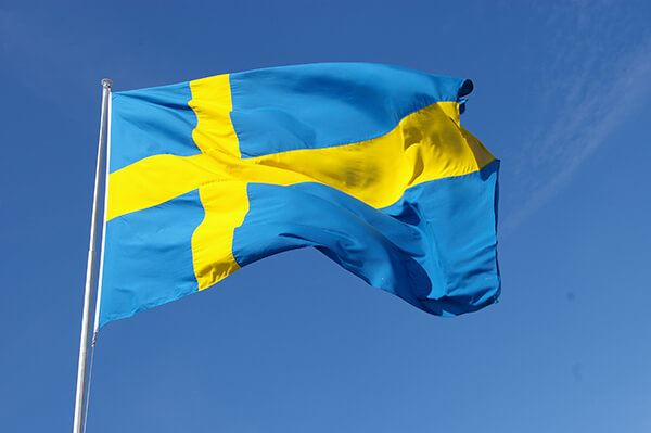 Foto: Anna Borg,  © Copy: Visit Östersund, Blue and yellow Swedish flag