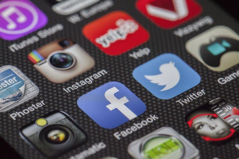 Bibblan visar: Sociala medier 1