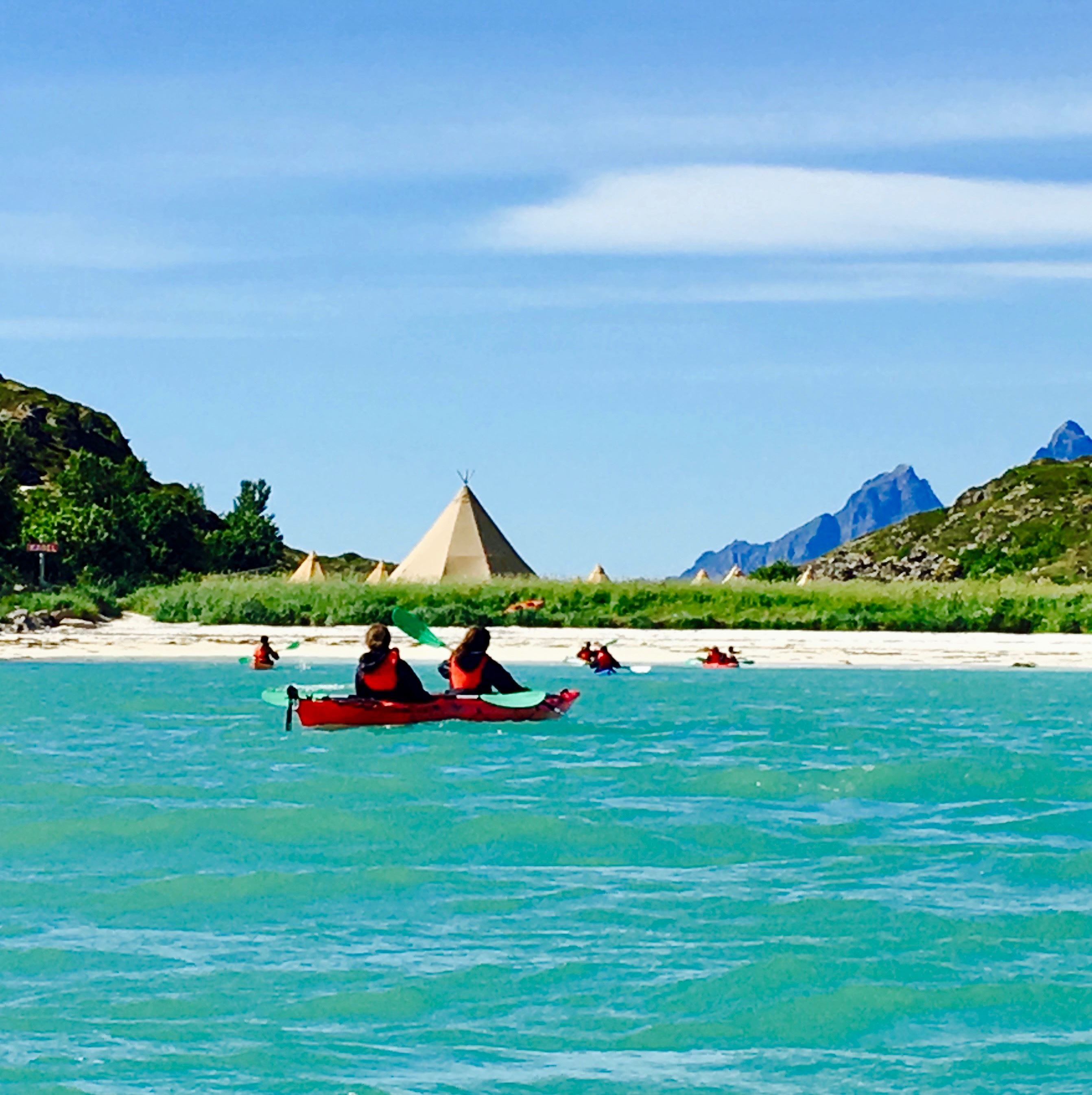 Cruise & Kayak in Lofoten's Little Hawaii