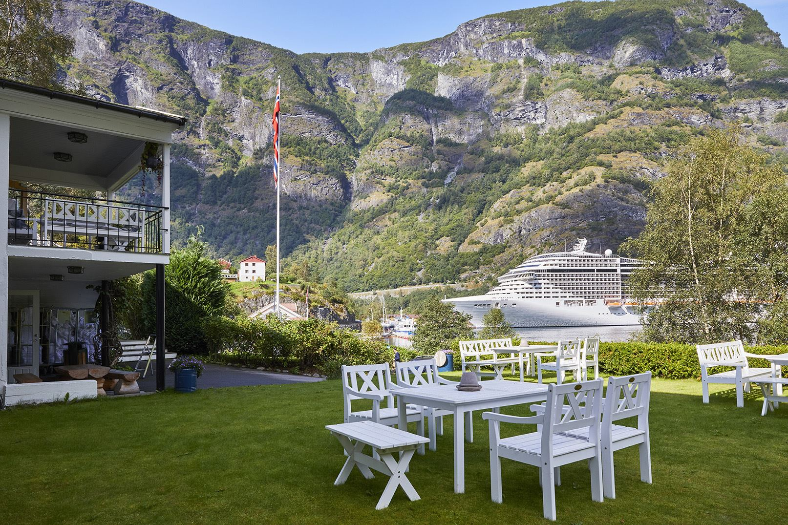 Ragnar Harvig 2017, Heimly, view to Port of Flåm