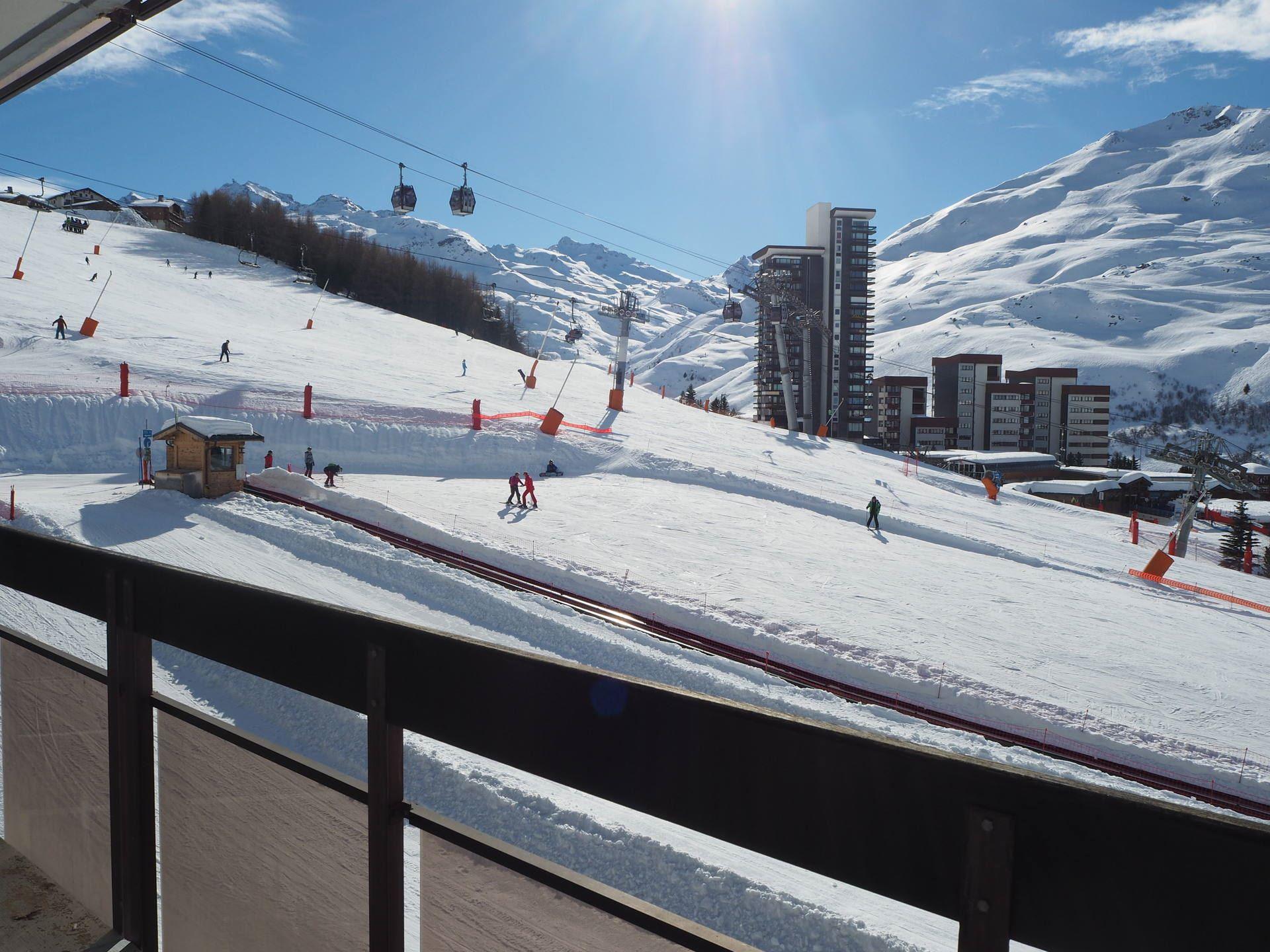 2 Rooms 5 Pers ski-in ski-out / ARAVIS 519