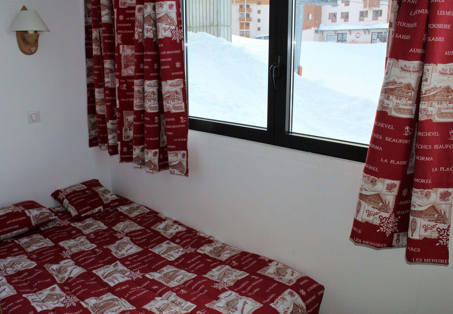 2 Room 4 Pers ski-in ski-out / LE SORBIER 203