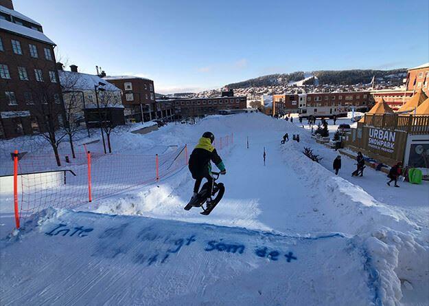 Foto: Robin Swahn,  © Copy: Robin Swahn, Barn sm åker snowracer