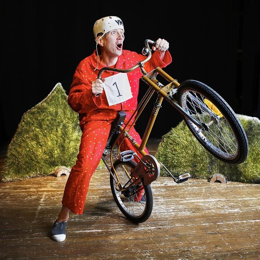 Daniel Milton,  © Teater Kung och Drottning, Barnteater: Mirakelpojken - Teater Kung & Drottning, Stockholm