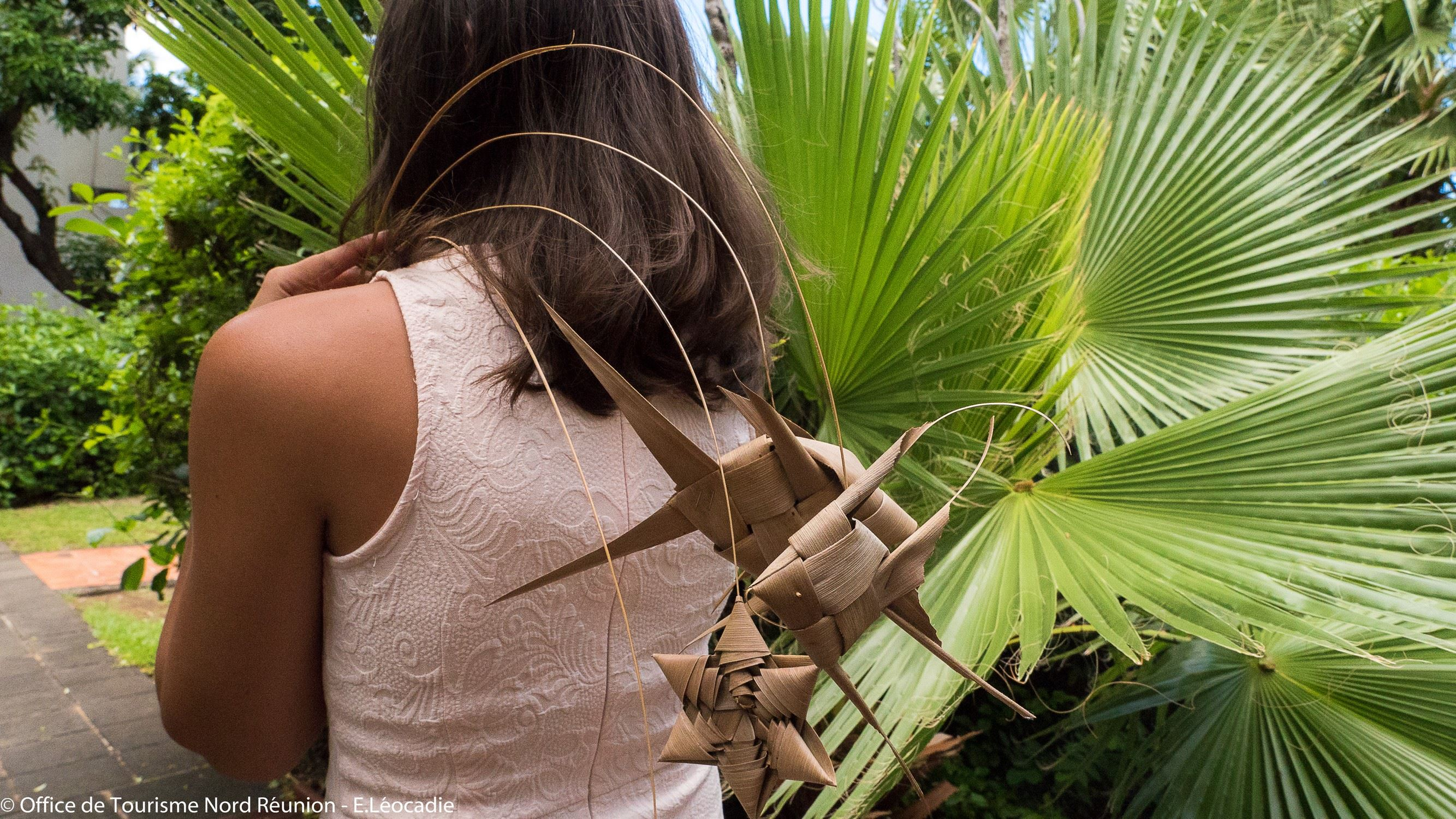 Unlimited coconut leaf weaving