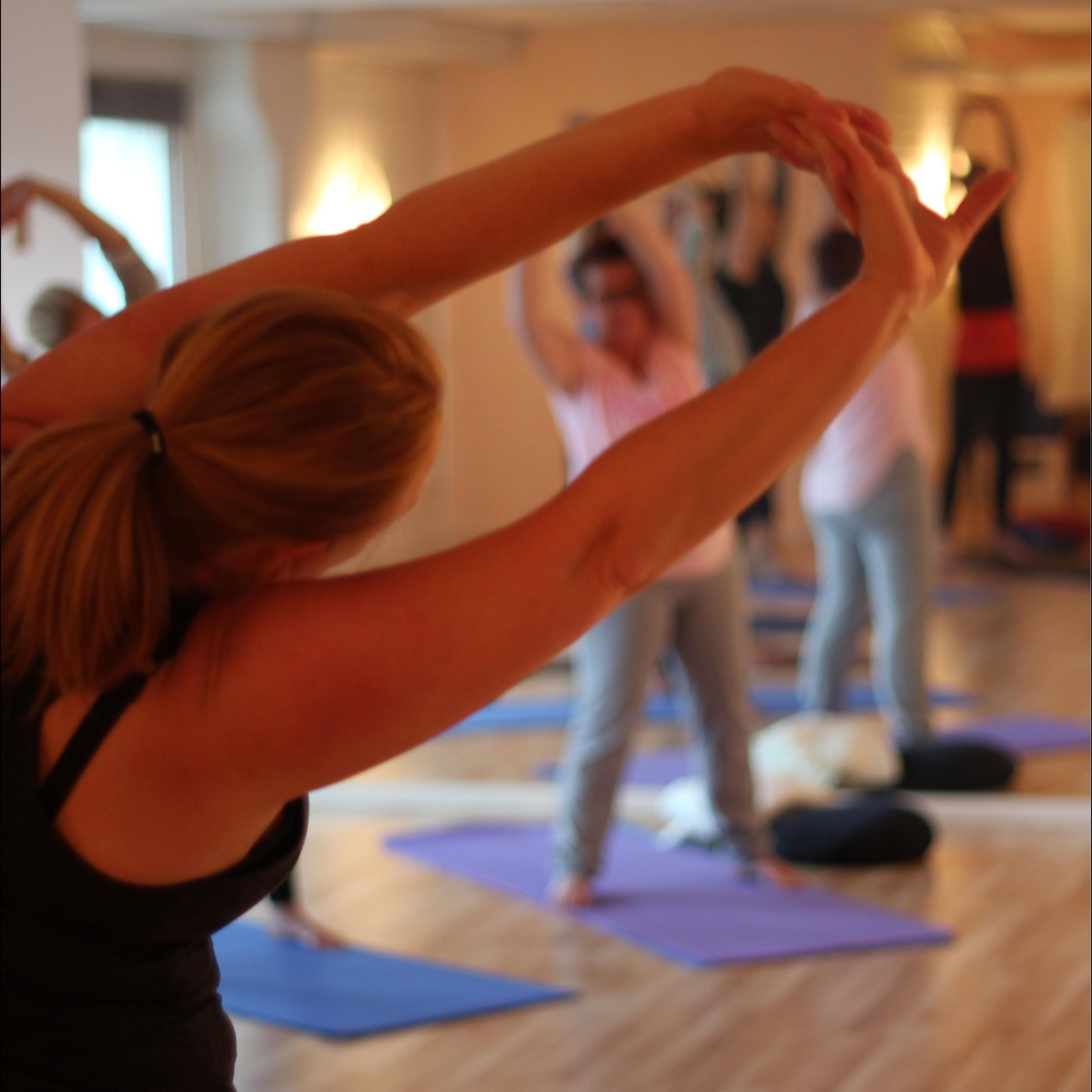 © Jesper Brunholm, Yoga och avslappning. Grundkurs