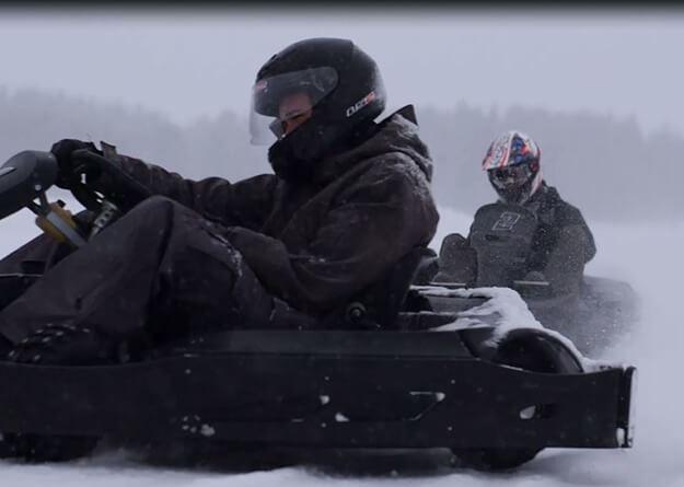 Foto: Östersund Gokart,  © Copy: Östersund Gokart, Två personer som kör icekart