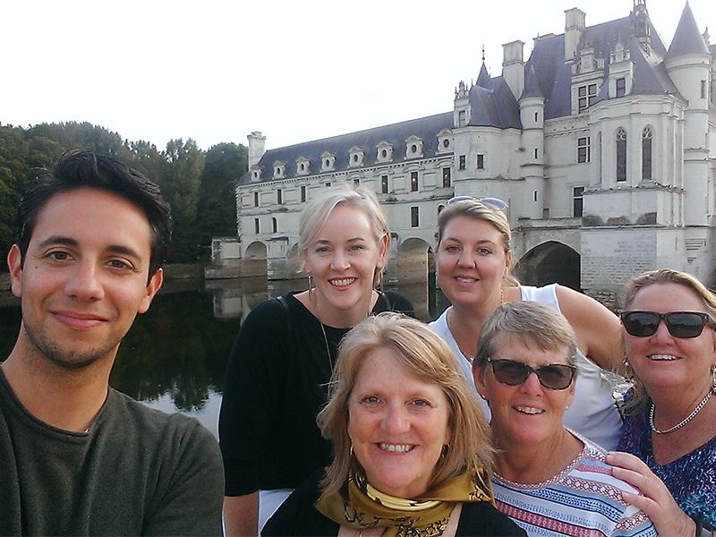 ALL-INCLUSIVE DAY TOUR AROUND CHENONCEAU, AMBOISE, CLOS LUCE PARC LEONARDO DA VINCI & PRIVATE WINE TASTING.