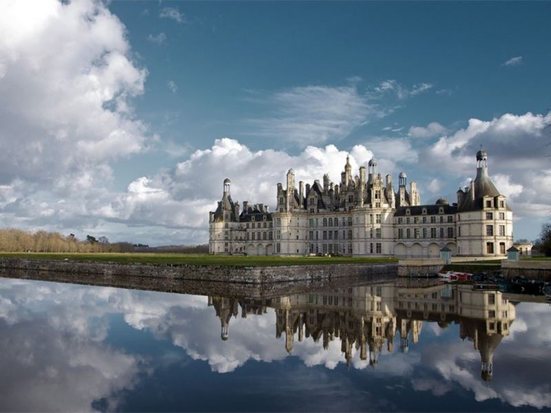 ALL-INCLUSIVE DAY TOUR AROUND CHENONCEAU, AMBOISE & CHAMBORD, THE MOST FAMOUS CASTLES OF THE LOIRE VALLEY.