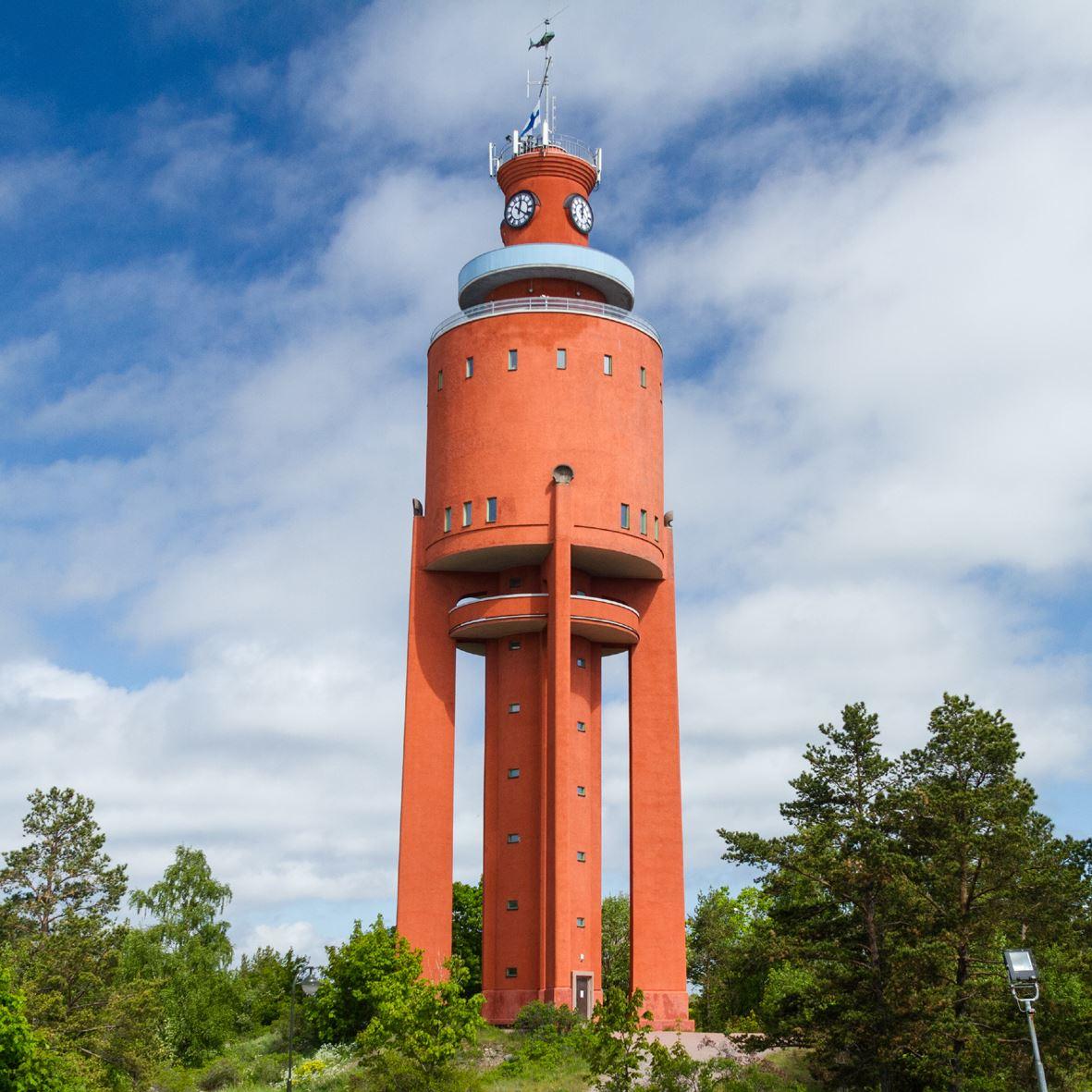 Suomenkielinen opastus: Hanko vesitornista katsoen