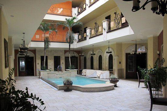 Clarion Suites Mediterraneo San Pedro Sula