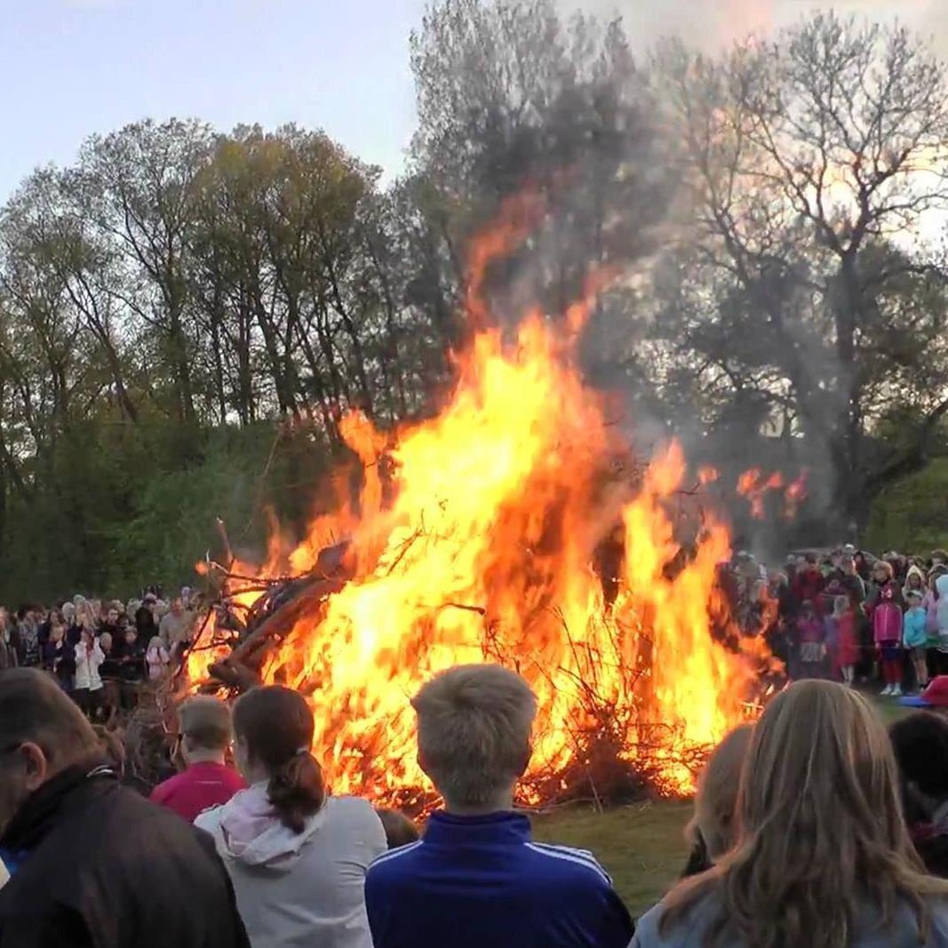 © Kävlinge scoutkår, Valborgsfirande på Måsängen i Kävlinge