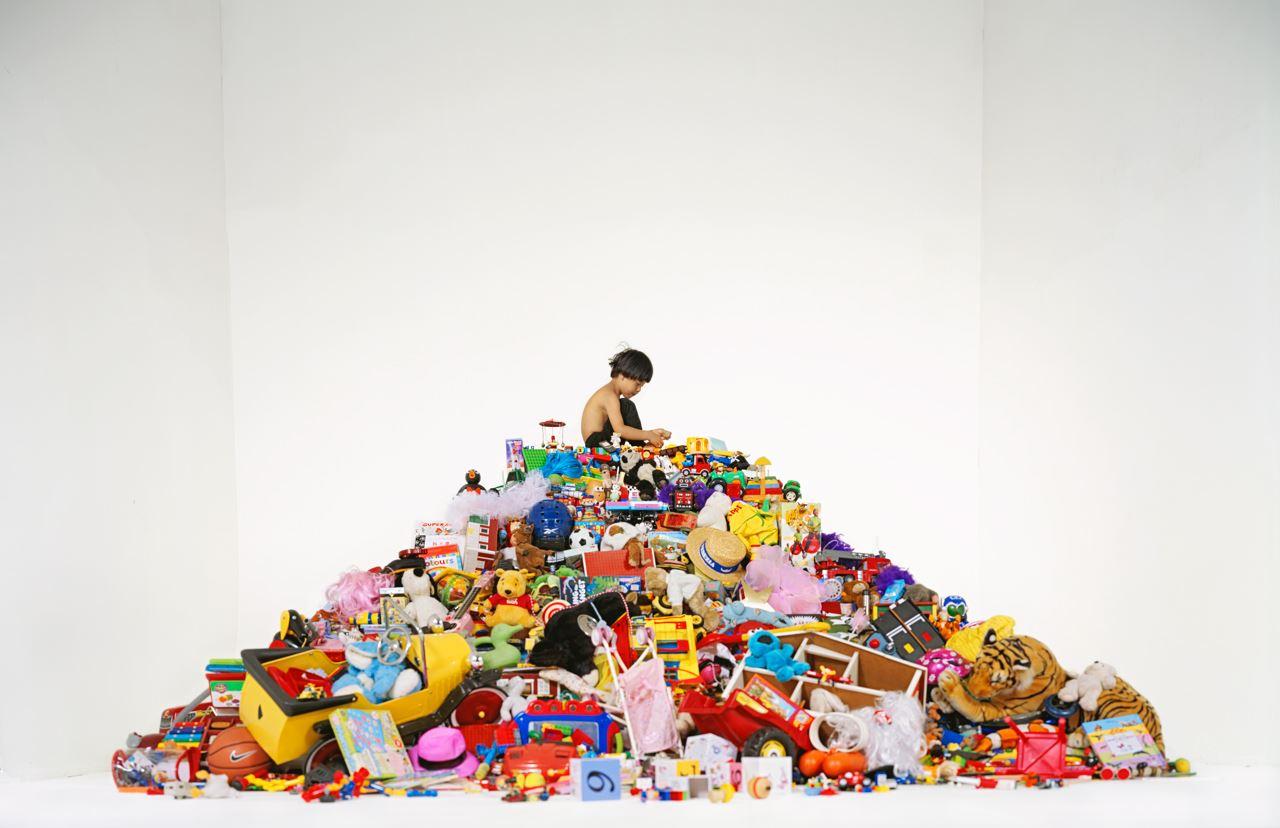 Utställning Saker Som Äger – lager av drömmar