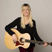 Musik i sommarkväll på Svartö med Emilia Lindberg