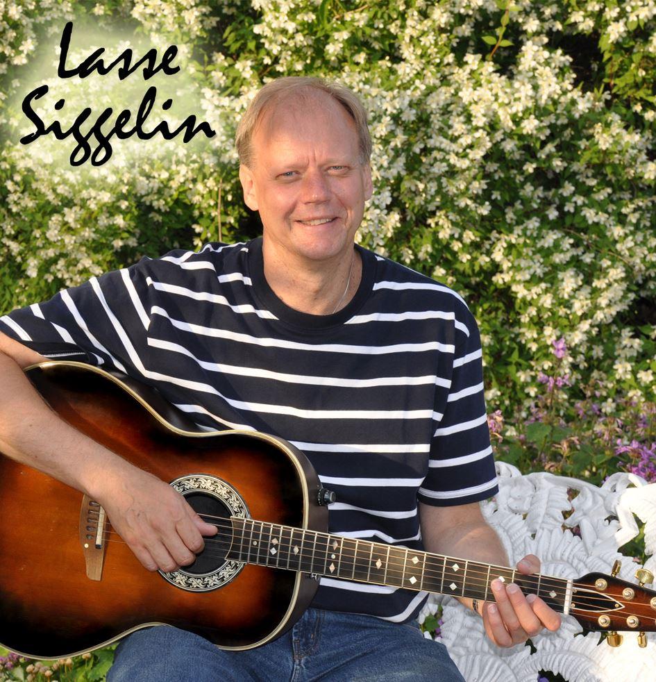 Musik i sommarkväll på Svartö med Lasse Siggelin