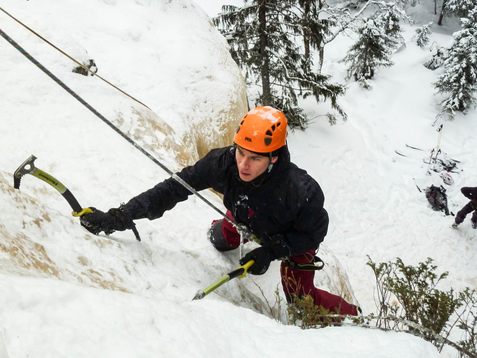Ice climbing in Duved