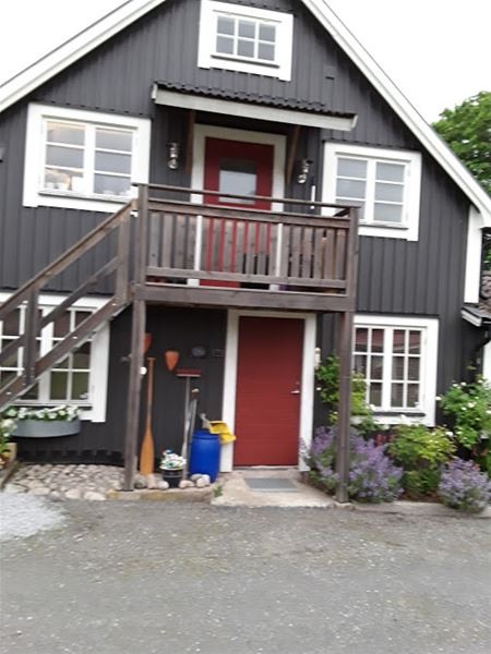 Accommodation close to the Mörrumsån and the golf course